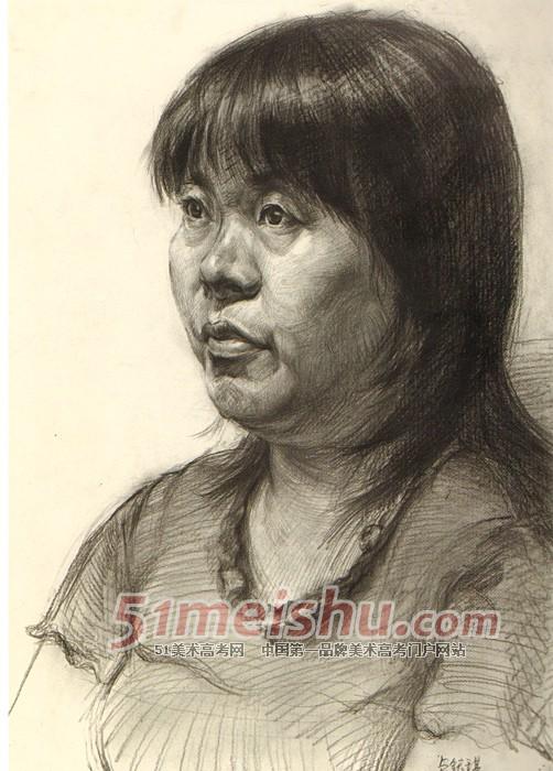 中年妇女四分之三侧头像素描作品