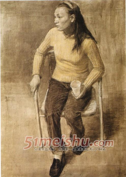 央美精英档案 女青年四分之三侧半身像素描 素描半身带手