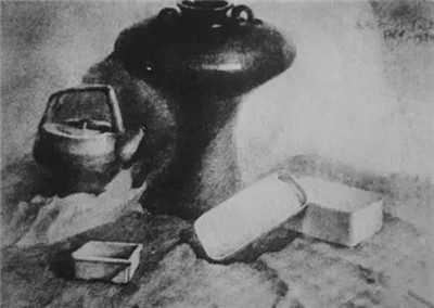 花瓶素描步骤解析图