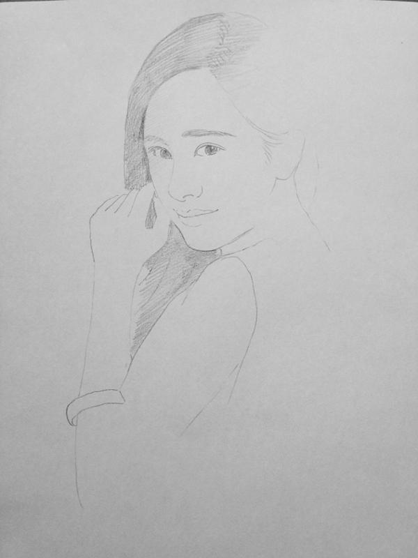 美术学堂 素描教程 > 正文    接着我们看一下今天学习的杨幂素描画
